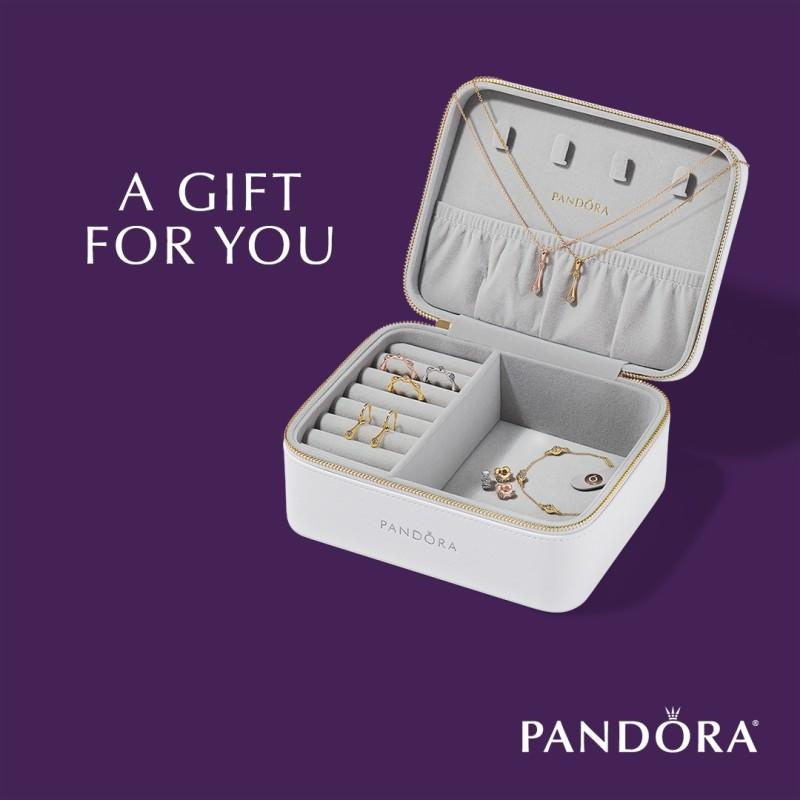 July Gift with Purchase from PANDORA