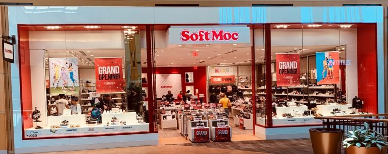 Des Moines Shopping >> Shopping Mall In West Des Moines Ia Jordan Creek Town Center