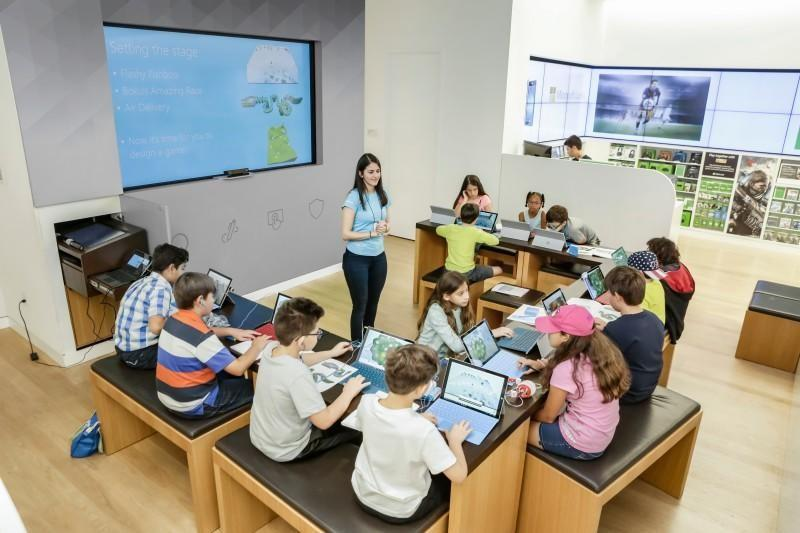 kids in Microsoft class with tablets
